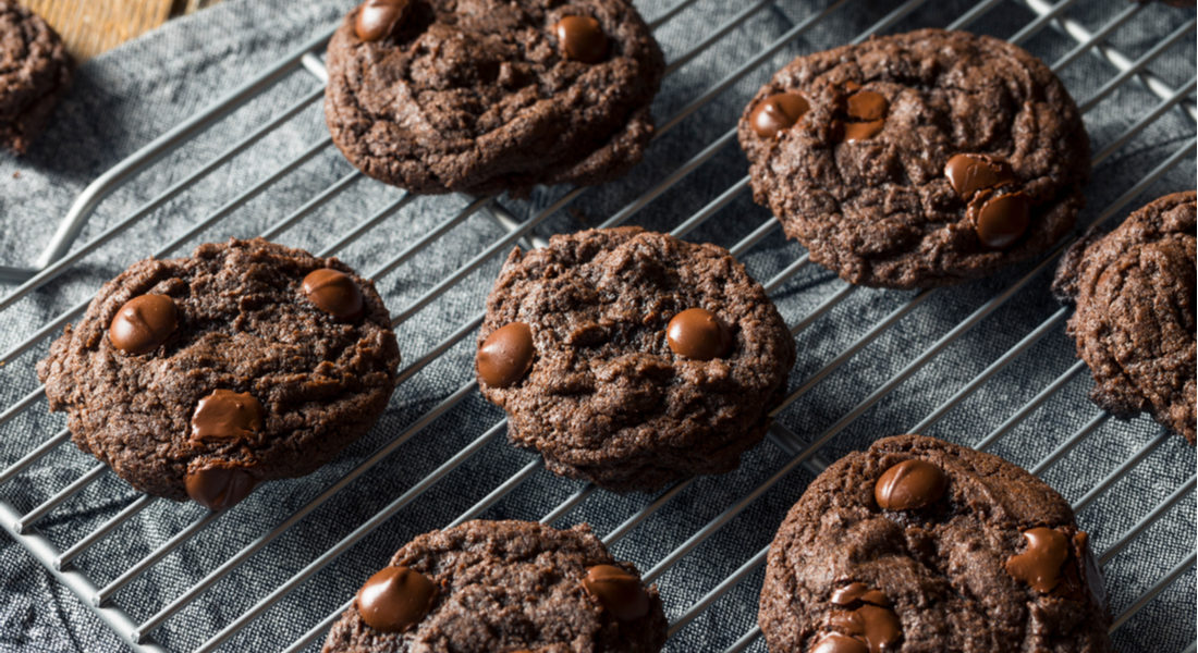 pepermint fudge cookies cooling on a metal wrack